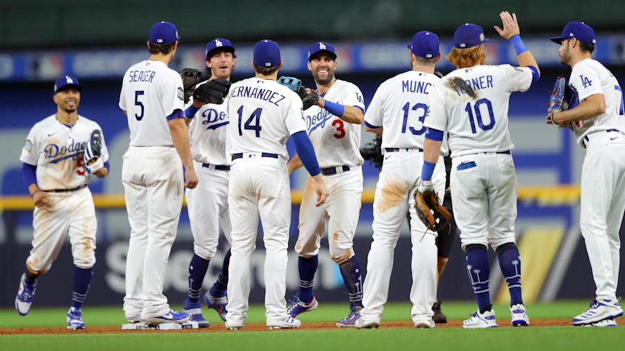Dodger dominance: L.A. all the way in Game 1