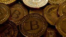 El bitcoin vuela alto en debut en el mercado de futuros