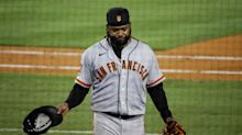 Giants' Johnny Cueto loses no-hitter as routine fly ball ends in disaster