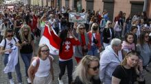 Belarus authorities close off central square in Minsk, detain protesters