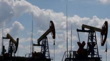 Barril de petróleo cae porque Unión Europea busca comerciar con Irán
