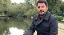 "Morando na Inglaterra, Evaristo Costa posta foto e manda indireta: ""Invejosos"""