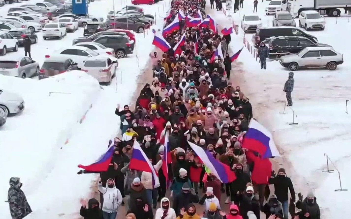 Fake rallies in made-for-Putin videos tell Russia's leader how popular he is