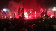Lautan Aremania pada Malam Hari Jadi Singo Edan Ke-33, Pendukung Arema FC dan Arema Indonesia Jadi Satu