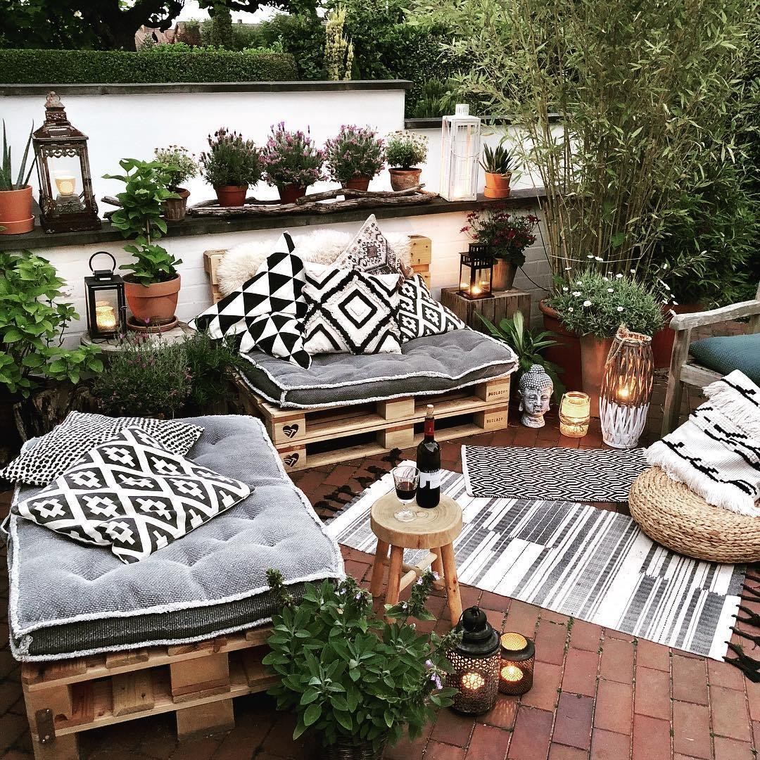 6 Ways to Spruce Up Your Outdoor Space for Summer