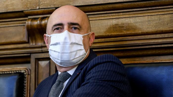 """Condamnation de Nicolas Sarkozy : le président du tribunal appelle """"au respect de l'institution judiciaire"""""""