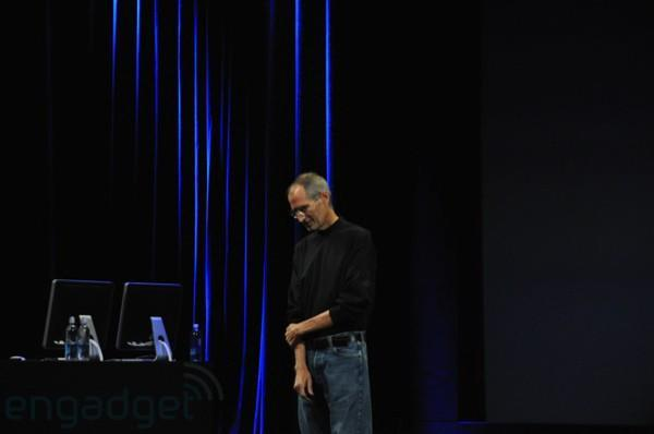 Video: Steve Jobs returns to the Apple stage