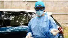 """Bassetti: """"Il virus si è indebolito, i catastrofisti negano"""""""