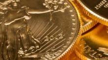 Oro cae hasta probar el 1.800, pero rebota y opera de nuevo en positivo
