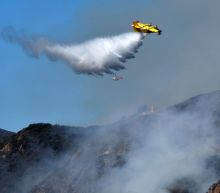 Wildfires threaten southern California homes, prompt evacuations