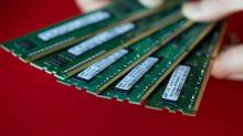 Samsung Profit Slides 38% With Stubborn Memory-Chip Slump
