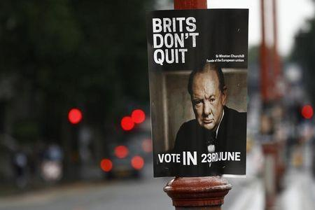 A vote remain sign is attached to a pole in central London, Britain June 16, 2016. REUTERS/Stefan Wermuth