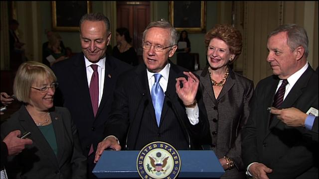Harry Reid applauds growing number of women in Senate