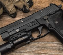 Check Out the Sig Sauer P226: The Navy SEALs Gun Being Replaced by Glock