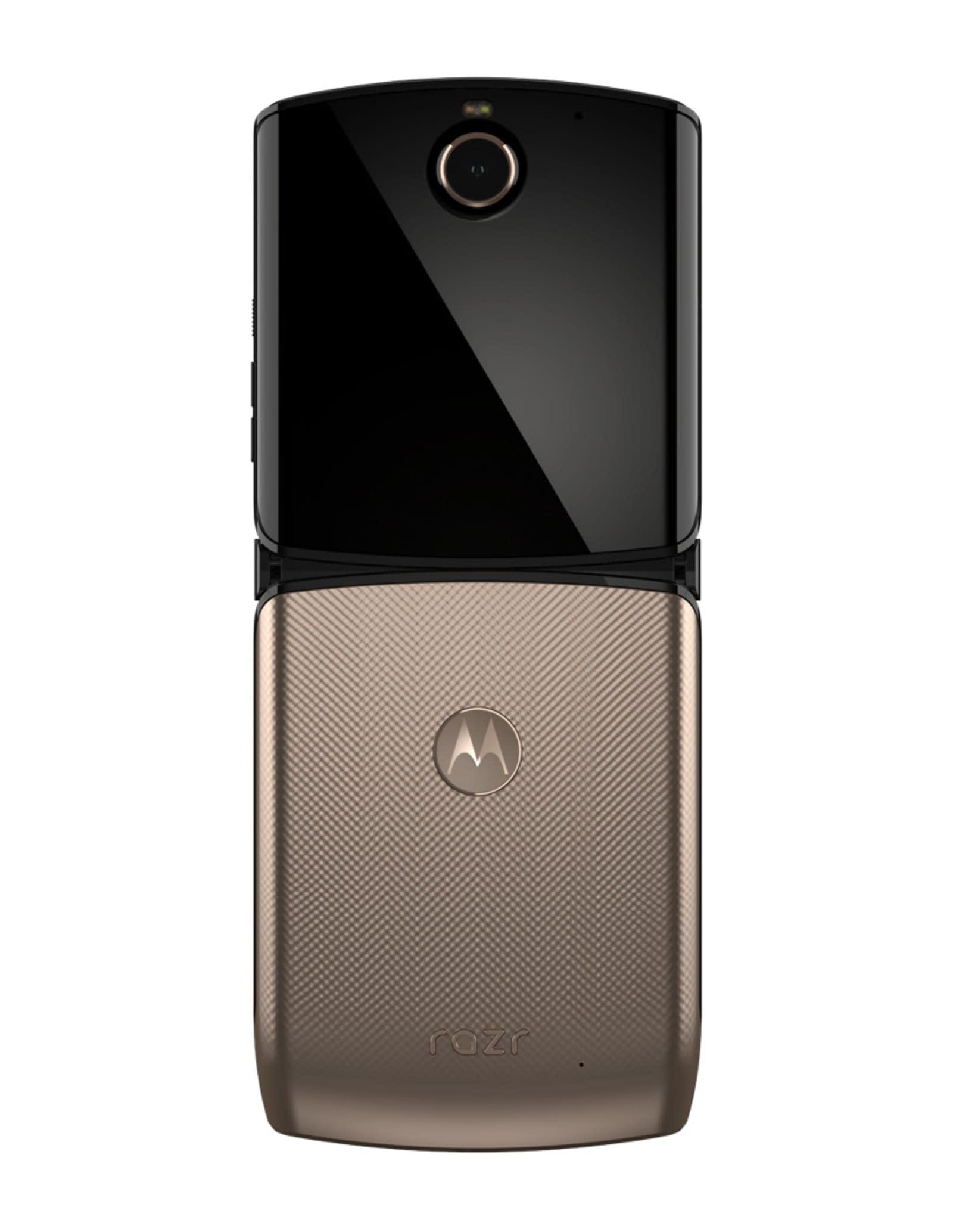 Motorola Razr (2020) in Blush Gold