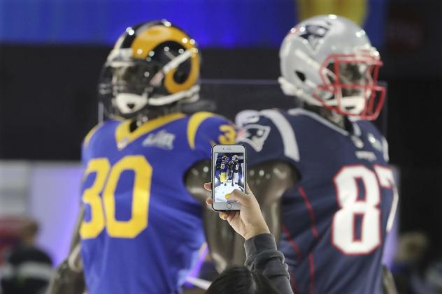 NFL tech competition winners reduce concussions and heal with light