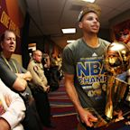 Warriors have 'had discussions' with White House; Steph Curry says he'll vote against going