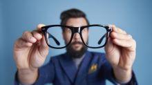 Alltagsfrage: Sind feuchte Brillenputztücher schädlich für die Gläser?