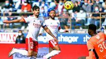Na estreia de Lucas Paquetá, Lyon vence o Strasbourg; meia faz golaço, mas arbitragem marca impedimento