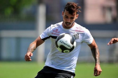 Zeca se recupera rápido e pode reforçar o Santos já no sábado