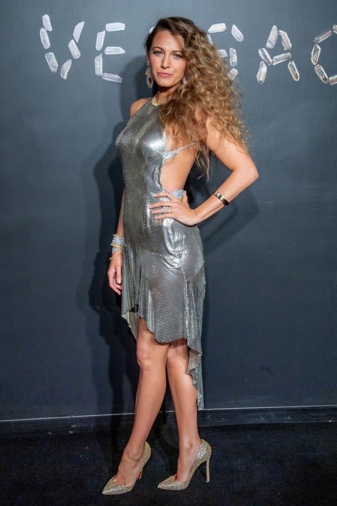 Blake Lively, Gigi Hadid出席Versace早秋發表會