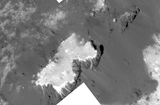 NASA's Dawn spacecraft takes a close-up of Ceres' brightest spot