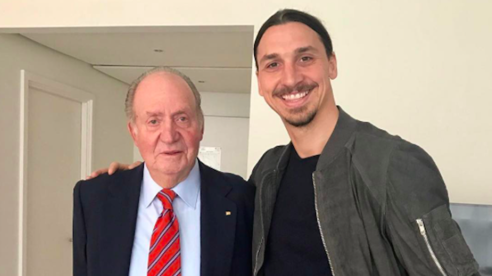 FOTO: Ibrahimovic posa con Juan Carlos de Borbón