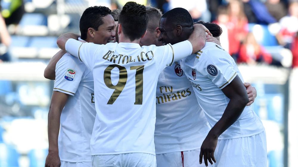 Vent'anni dopo Milan bianco: niente maglia rossonera nel Derby