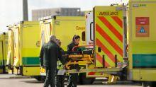 Coronavirus: Le bilan britannique des décès s'alourdit de 24% à 2.921