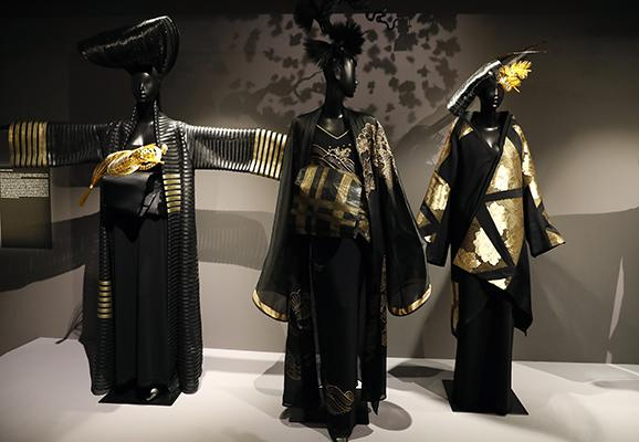 Paris Show Traces Kimono From Prim Tradition To Glam Fashion