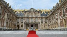 France to host 140 foreign CEOs for pre-Davos summit