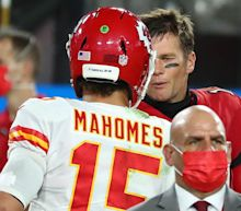Why NFL fans lost it after Tom Brady shook Patrick Mahomes' hand