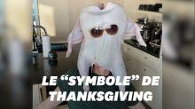 """Pour Thanksgiving, Courteney Cox ravit les fans de """"Friends"""" avec une dinde"""