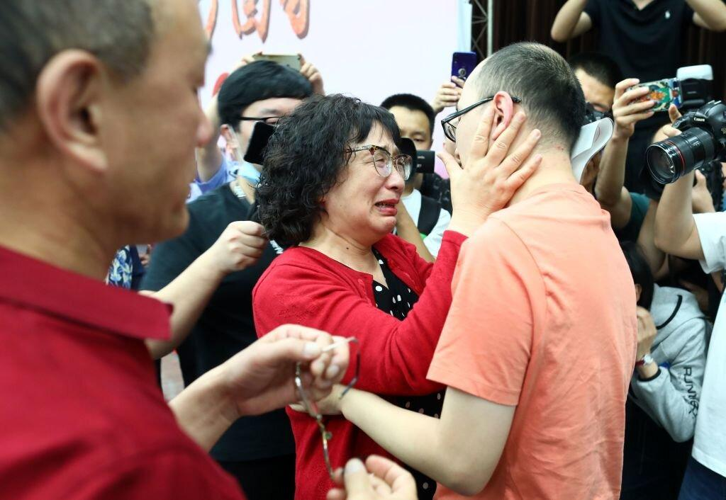 After 32 Years, a Missing Son Is Reunited With His Parents in China