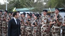 Pourquoi Emmanuel Macron a conservé ses vœux aux armées