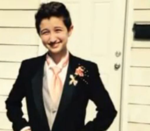Teen sues school for proposing trans students wear green wristbands