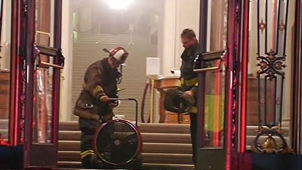 Electrical explosion fills SF City Hall with smoke