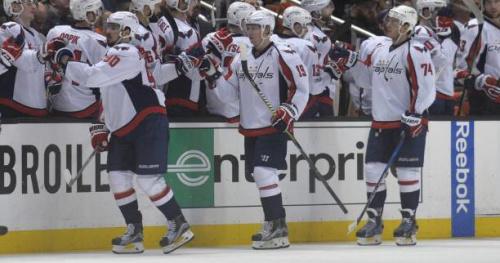 Hockey - NHL - Les Washington Capitals gagnent dans la douleur, Nashville surprend Chicago