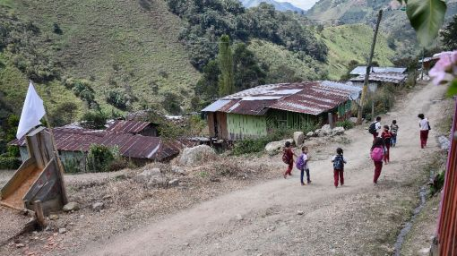 Colombia readies for conflict-ending cease-fire