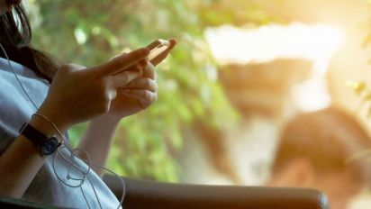 Social media, screen time linked to teen depression