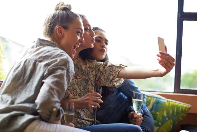 Instagram may soon let you tag your friends in videos
