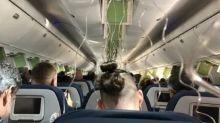 Aereo giù di 9mila metri in pochi minuti: i passeggeri si disperano