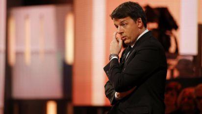 Ginocchiata all'arbitro: il Millennial scelto da Renzi lascia la direzione Pd