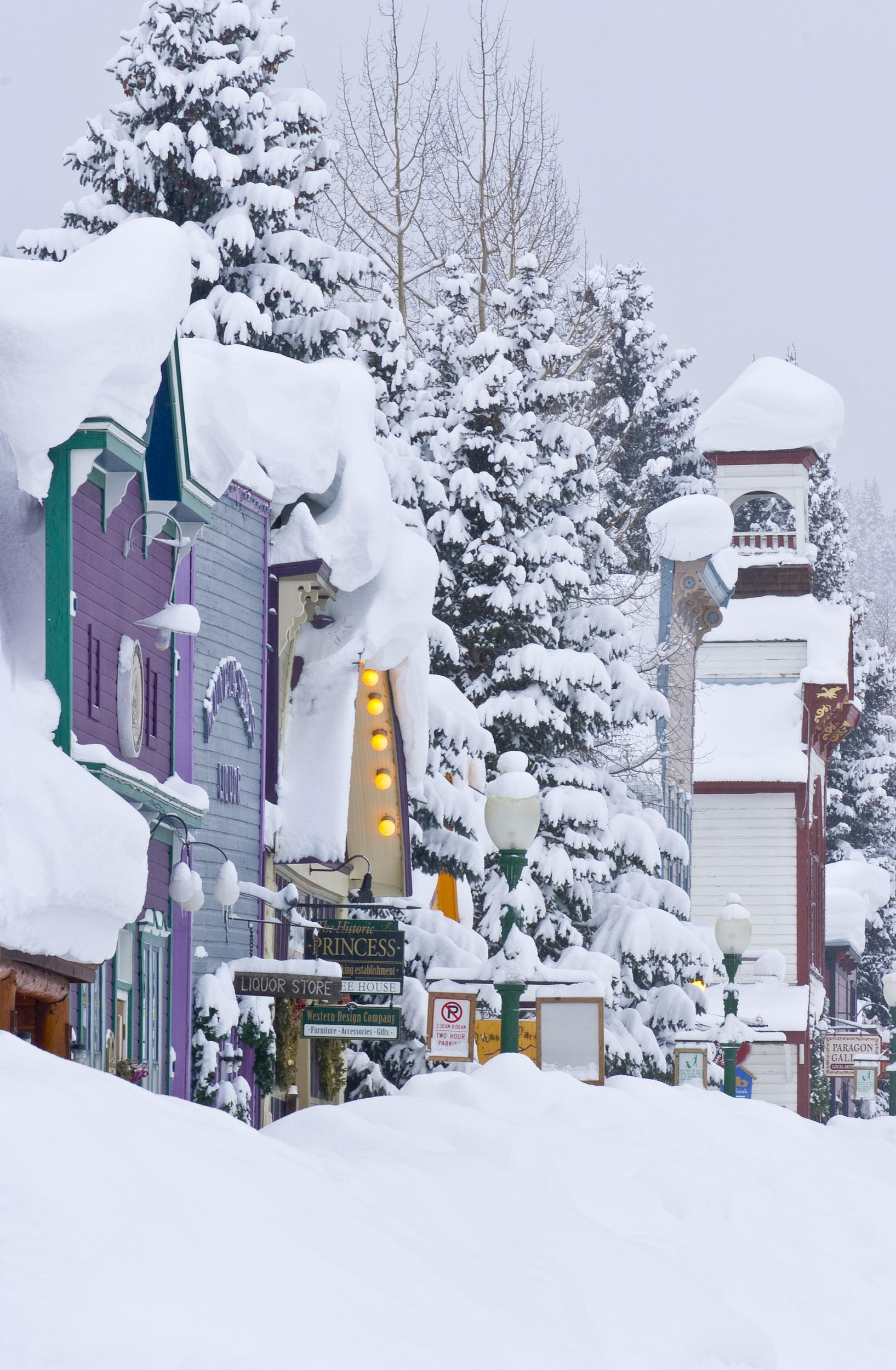"<a href=""http://www.colorado.com/"" target=""_blank"">Colorado</a> ski resort Crested Butte's Elk Avenue covered in snow."