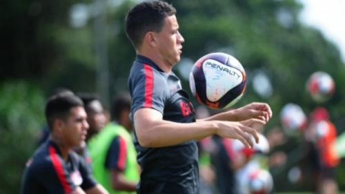 Roberson volta de lesão e Inter ganha nova opção para final com Noia