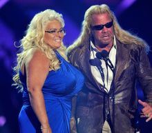 'Dog the Bounty Hunter' shares photo from Beth Chapman's bedside