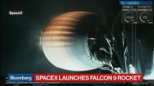 Nomura Analyst Says SpaceX and Tesla Will Merge