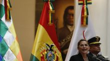 ¿Enfrentar la crisis en Bolivia da ventaja electoral a Añez?
