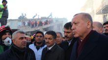 Fuerte sismo al este de Turquía deja al menos 21 muertos y derriba edificios