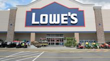 Lowe's shares plummet after earnings miss